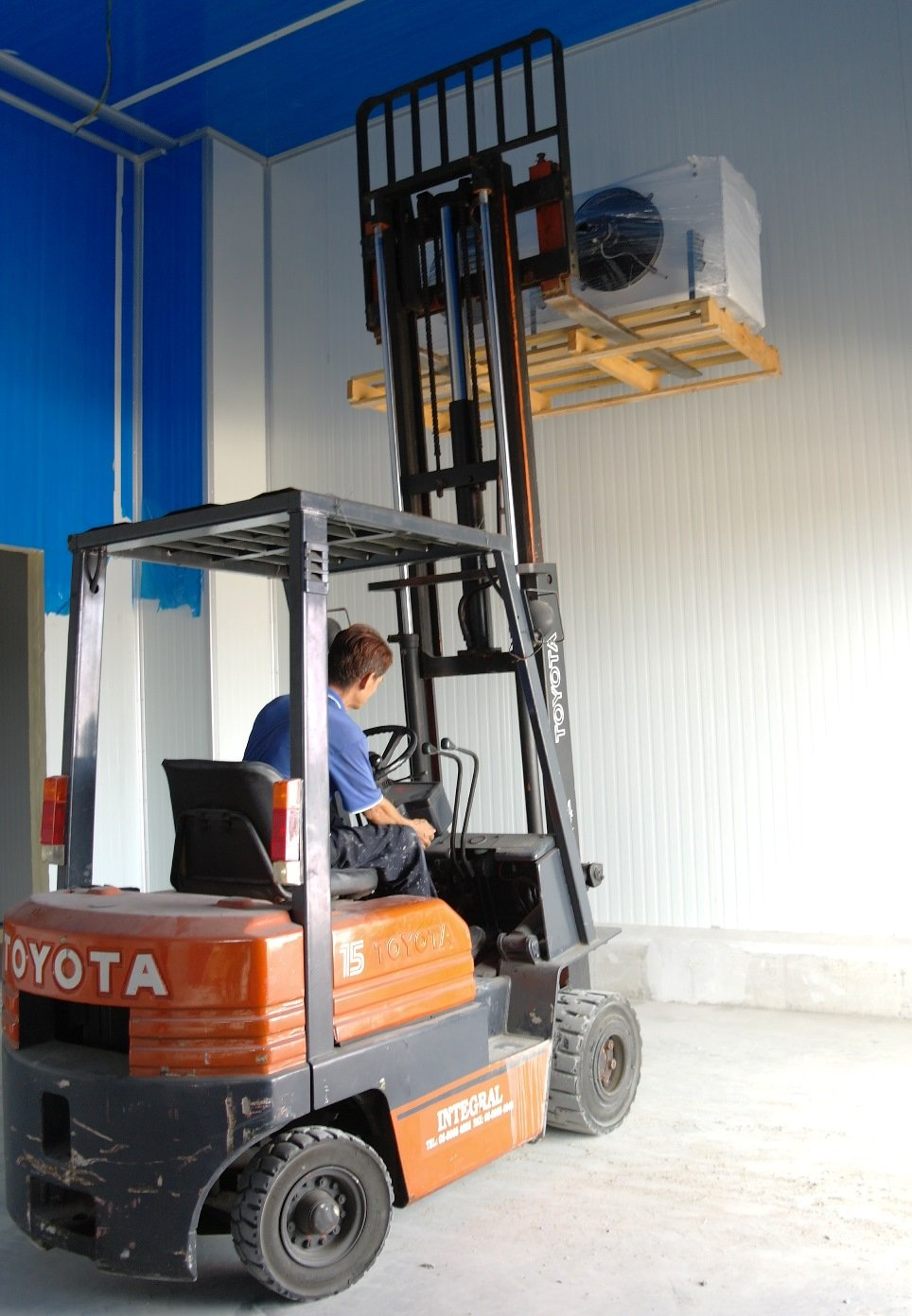 Lift Evap with Forklift
